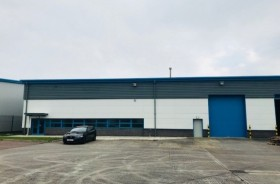 Warehouse/garage/workshop Industrial To Rent - Main Image